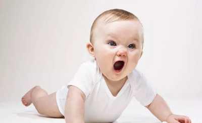 小孩几个月会抬头 宝宝总是抬头晚是发育不良吗